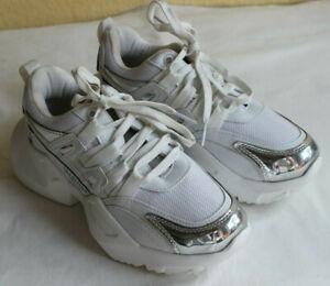 Valentino Garavani Schuhe Gr. 37 Weiß Sneaker