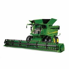 ERTL 46070 John Deere S670 Combine Harvester Big Farm Light & Sounds Scale 1 16
