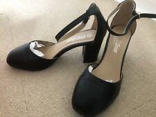 Black Closed Toe Sandals Size 3 (36)