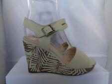 CLARKS 100% BEIGE LEATHER WEDGE SANDALS SIZE 6 WIDE FIT