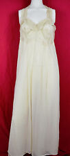 Vintage 60s Beautiful Dreamer Nylon Babydoll Negligee w Lace Bodice Ethereal