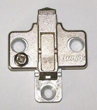 4St.Blum Clip Zinkguss-Nickel Kreuzmontageplatte 37/32 175H9100  732.311.3 D=0mm