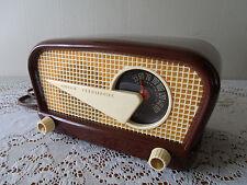 1948 Philco 48-230 Flying Wedge, Philco 48-230, Jetsons' Radio, Vintage Philco