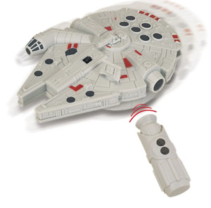 Vaisseau avec télécommande infrarouge Star Wars : Faucon Millenium HASBRO