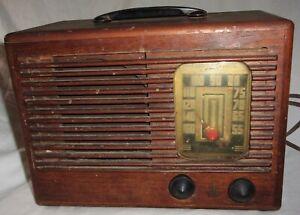 Orig. Vintage 1940s Emerson Model 425 4Z5 AM Tube Radio Wood Cabinet Art Deco &