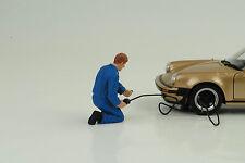 Mechaniker Luftdruck Reifen Figur Figuren Werkstatt 1:24 American Diorama no car