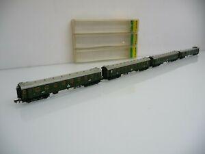 Minitrix N 1:160 Konvolut mit 4 Schnellzugwagen grün der DR Ep. II mit Innenbel.