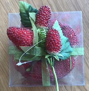 """NOS Vintage Beaded Faux Red STRAWBERRIES 12-15 Pieces Silk Cap Size 1.5- 2.5"""""""