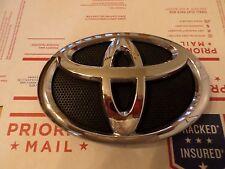 "Toyota Camry 08-10 (crest) front grille ""Emblem"""