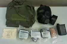 Us Army M 42 / M 40 mask Medium w accessories (Loc = Gr. Bk Case)