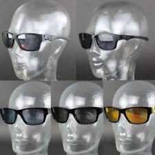 Gafas de sol de hombre negro cuadrados de plástico