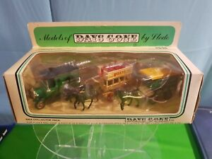 Lledo Models Of  Days Gone 1984 COLLECTORS PACK Die Cast WITH FIGURES CP.1