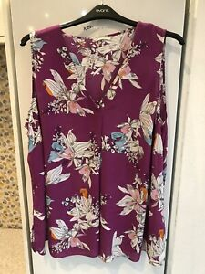 "Ladies Plus Size Top Size 24 Chest 56"" Nice Condition"
