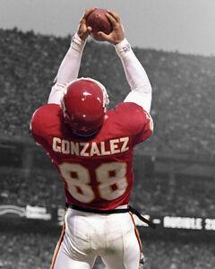 Kansas City Chiefs TONY GONZALEZ Glossy 8x10 Photo Spotlight Print Poster