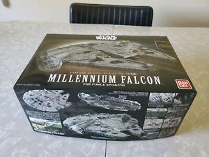 Bandai 1:144 Star Wars Millennium Falcon The Force Awakens