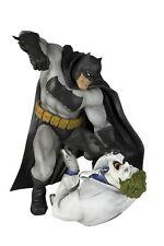 New In Box Kotobukiya ARTFX Batman Hunt the Dark Knight 30 cm Figure From Japn