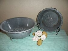 RARE 2 VINTAGE GRANITEWARE 3 FOOT STRAINER AND KITCHEN OVEN BAKING PAN OR DISH