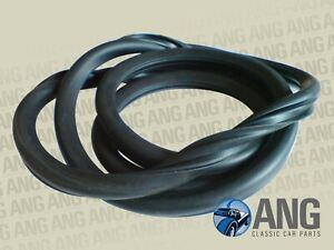 TRIUMPH SPITFIRE MkIV & 1500, GT6 MkIII FRONT WINDSCREEN RUBBER SEAL 909029