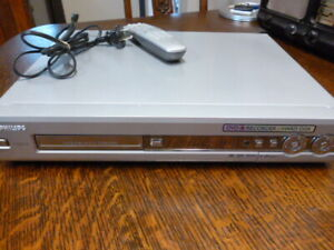 PHILIPS HARD DISC DVD RECORDER PLAYER with REMOTE Model No. HDRW720/69