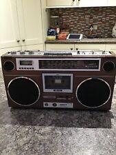 ROBERTS RSR 100 Stereo Radio Cassette Recorder Ghettoblaster in good order