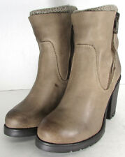 Steve Madden Womens Sweaterr Heeled Winter Boot Shoes, Stone Leather, US 9