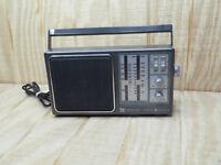 Vintage General Electric TV Sound WB/AM/FM Radio Receiver Model 7-2945A