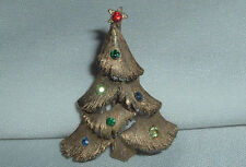 VINTAGE J.J. CHRISTMAS TREE RHINESTONE GOLD TONE BROOCH PIN IN GIFT BOX
