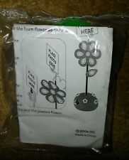 Flower Photo Holder/Place Cards Craft Kit *New*.
