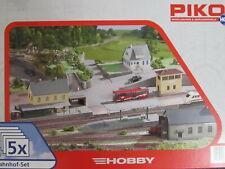 PIKO 61923 - Spur H0 - Gebäude Set Bahnhof - 5 Bausätze - Bahhof Lokschuppen etc