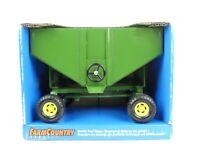 ERTL Farm Country Gravity Feed Wagon 1999. #5061. 1/16 Scale. BNIB