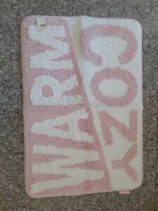 VICTORIAS SECRET PINK BATH MAT WARM & COZY GRAPHIC BATHMAT RUG 25x17 New