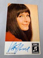 PETRA PASCAL ältere original  signierte Autogrammkarte 9x14