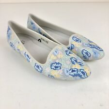 Crocs Ballet Flats US 7, Blue Gray Floral Pointy Iconic Comfort