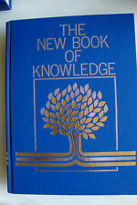 The New Book of Knowledge 1998 Science Annual (Hardcover)