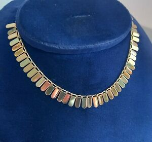 14ct Multitone Gold Cleopatra Necklace. 16.5cm. Weight 6.7 Grammes.