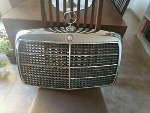 MERCEDES BENZ OEM W114 W115 240D FRONT HOOD GRILLE GRILL CHROME 1975