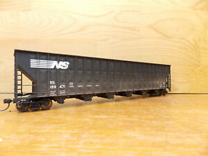 Walthers NS Norfolk Southern Greenville wood chip hopper