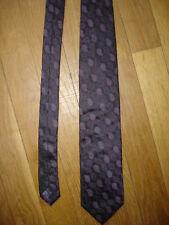 Cravate 100% soie largeur maxi 8,2 cm longueur 152 cm belle couleur brillant