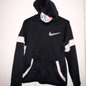 Nike boy sweatshirt black and white ssize