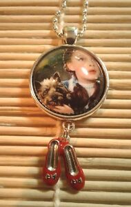 Wizard of Oz Dorothy and Toto Glass Pendant Necklace w/shoe charm   US Seller