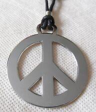 PEACE AND LOVE pendentif métal diamètre environ 4,5 cm avec cordon réglable PAIX