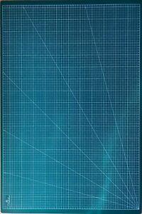 DEKOLONA Selbstheilende Schneidematte aus 3-lagigem PVC A1  90 x 60 cm, 2 Seiten
