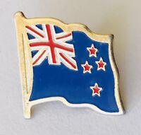 New Zealand Old Flag Design Lapel Pin Badge Rare Vintage (J10)