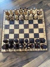 wunderschönes komplettes Schachspiel mit Figuren aus Holz