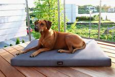 Couchage, paniers et corbeilles orthopédiques noirs pour chien
