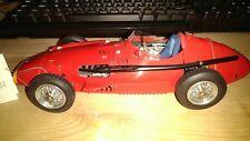 CMC M-064 MASERATI 250F 1957 N.1 EMANUEL FANGIO 1:18 Modellino