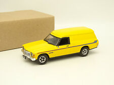 Classic Collectables  1/43 - Holden HX Sandman 1974