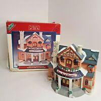 Lemax Caddington Village 1999 Porcelain Lighted House Doras Bed and Breakfast #9