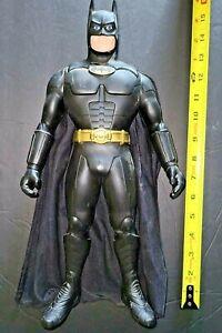 DC Comics Superhero Batman 1992 16'' Action Figure Bruce Wayne w/ Cape Toy Model