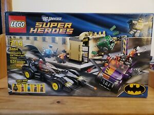 Lego BATMAN  6864 DC Super Heroes BATMOBILE TWO FACE CHASE RETIRED Factory Seal